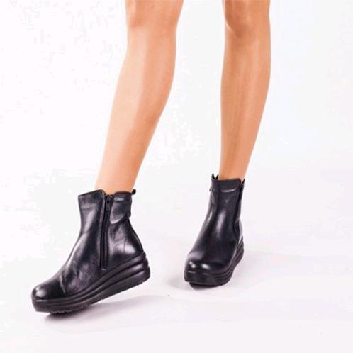 Зручне взуття для майбутніх мам