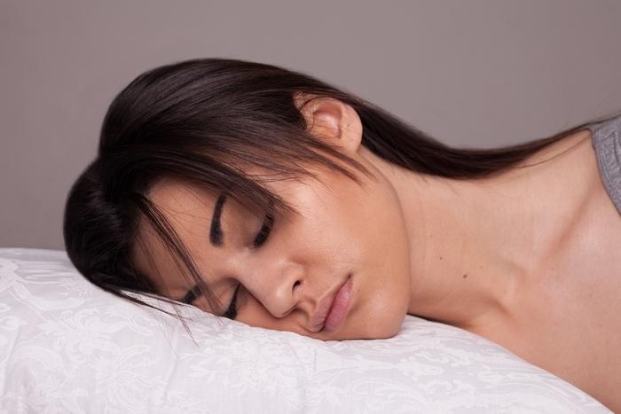 """Ортопедична подушка від зморшок сну Olvi """"Butterfly"""" J2539 Фото 1"""