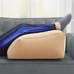 Подушка надувная под ноги Фото 1